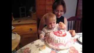 первый торт малыша