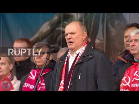Russia: Communist Party honours St. Petersburg Metro attack victims during protest