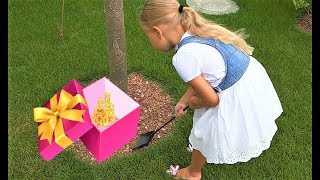 Alice found toy TREASURE for girls in your garden ! Video for kids