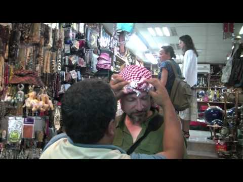 Twisit Jordan Adventure, Pt 2 – How to wrap a Keffiyeh
