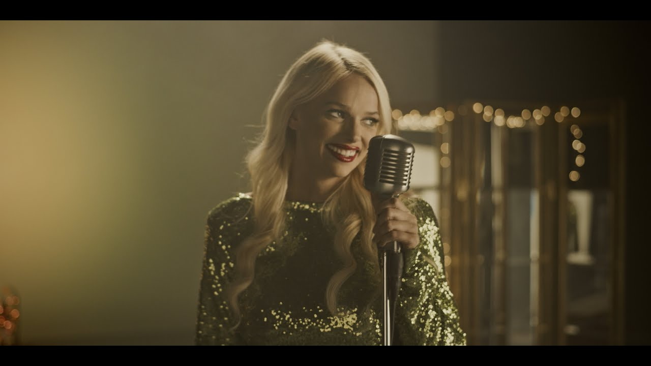 Rockin' Around the Christmas Tree - Jessie J (Aprilann Bedroom Cover) - YouTube