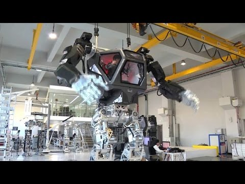 Avatar-style South Korean manned robot takes first baby steps