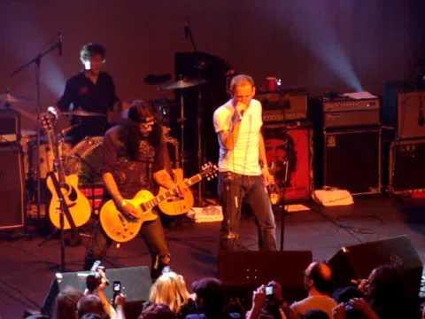 """""""It's So Easy"""" – Corey Taylor (Slipknot) & Slash – Justice Tour, LA"""