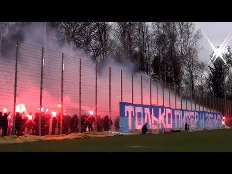 Огненная поддержка фанатов Зенита перед матчем со Спартаком