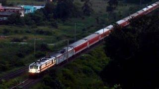 Twilight Magic WAP-7 Bangalore Rajdhani looks like a toy train!!