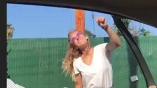 Arabadan inip dans etme akımında ölen kız ( gerçekler )