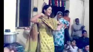 Peshawar Girl dance in wedding at home with a nice pashto song    YouTube