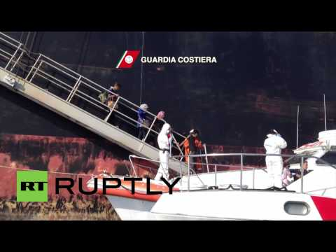 Italy: Coastguard picks up 180 migrants in Strait of Sicily