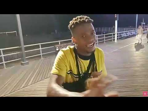 (HIS FREESTYLE IS INSANE!!) Streamer Finds Spanish Rapper In Atlantic City