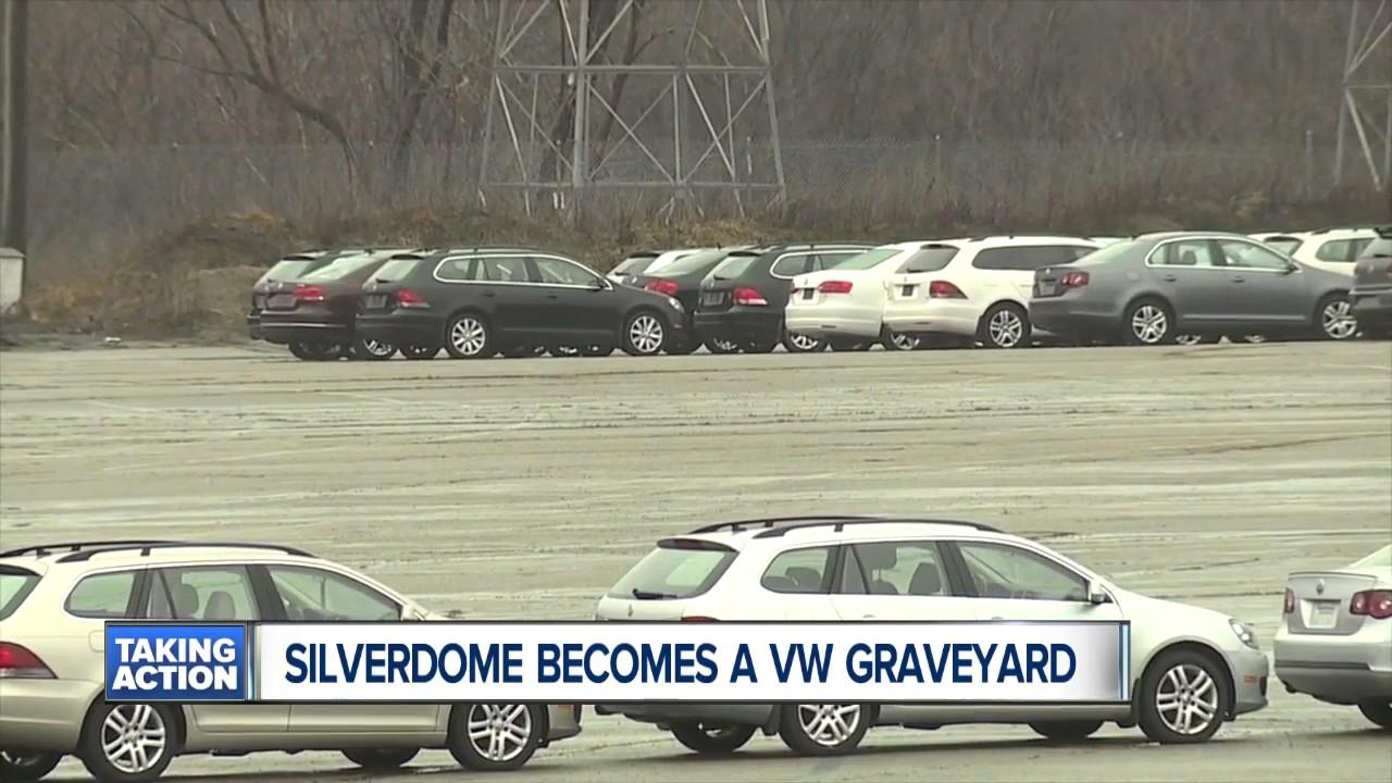 Silverdome Becomes A Vw Graveyard Youtube
