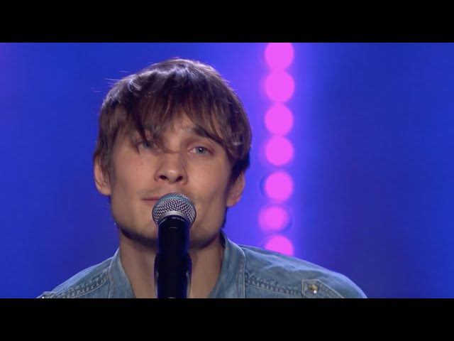 "Bagge i tårar av Christoffer Hambergs version av ""Rosa himmel"" - Idol 2019"