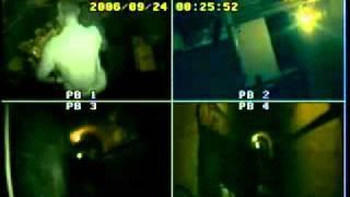 В старом бункере живёт призрак (видео)(Видеозапись сделана коммандой «Jersey Paranormal Research Organization» в октябре 2006 года., 2011-07-11T03:59:34.000Z)