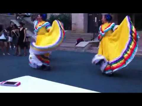 Early Mexican Independence Day dance at UT Austin