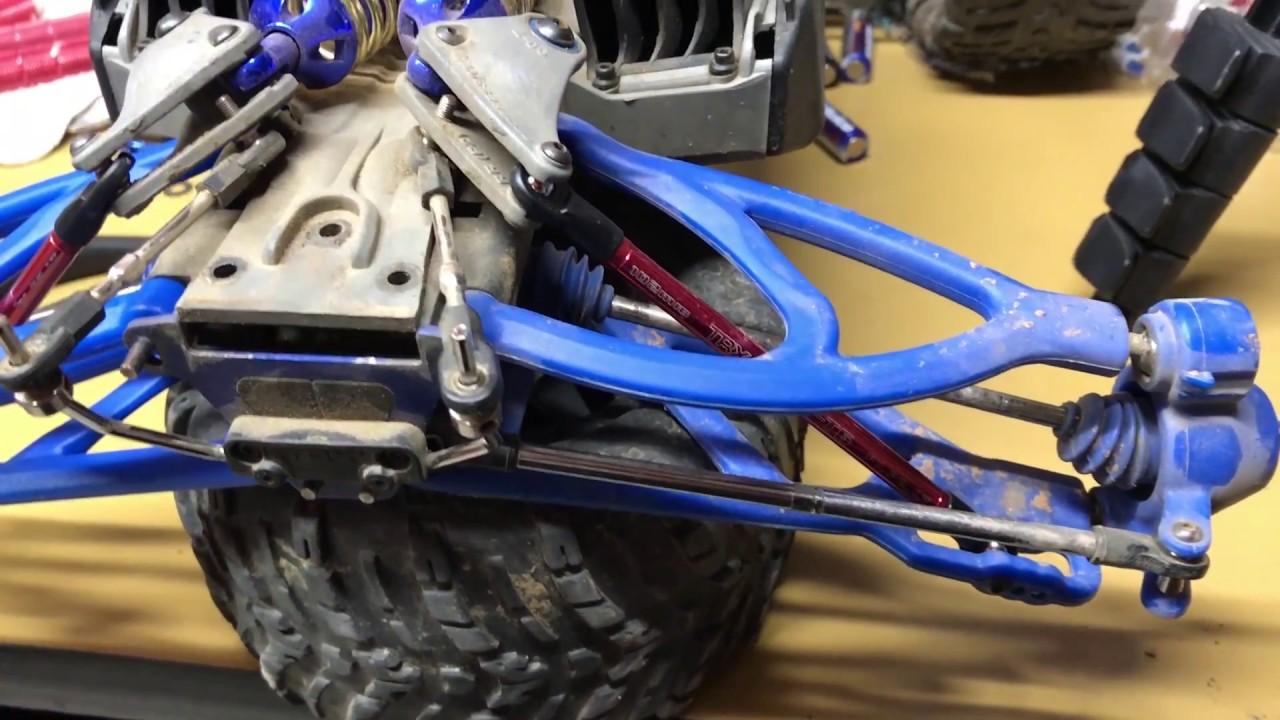 3.3 TRAXXAS E REVO SUMMIT 1//10 Rear upper suspension arms
