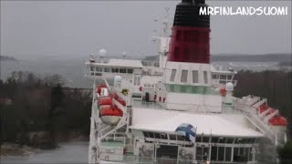 Hard wind and raw horsepower in action - Galaxy Baltic Princess Grace Amorella 21.11.2020