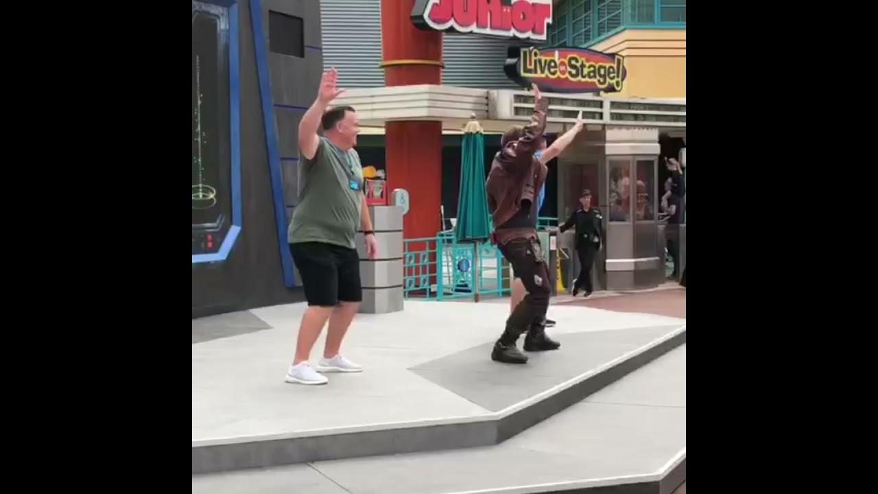Download Dad dancing in Disneyland Paris