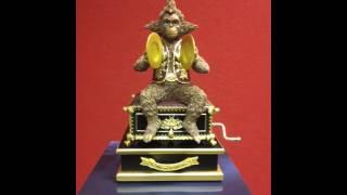 Phantom of the Opera Crank Monkey Music Box Plays