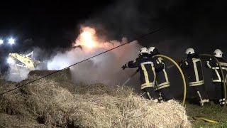 NRWspot.de | Ennepetal – Heuballenbrand – Feuerwehr löscht Brand in Voerde