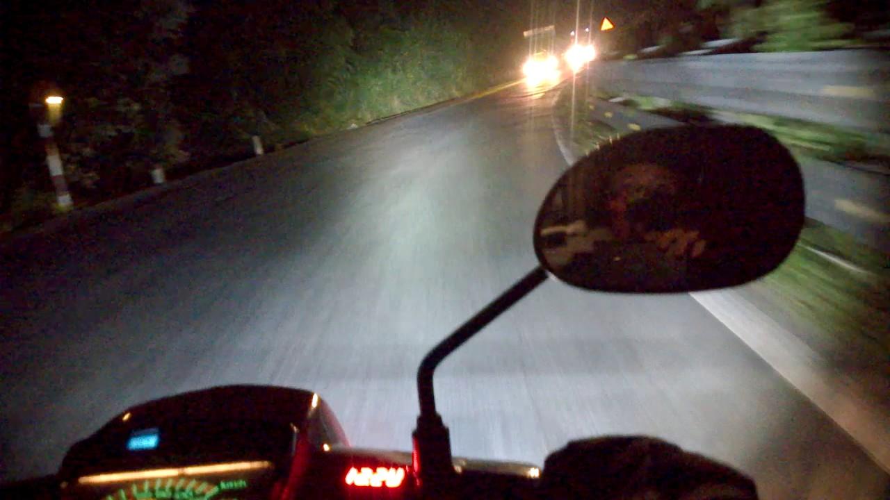 Phượt đêm bằng đèn siêu sáng. Đặt mua 0163 261 5489