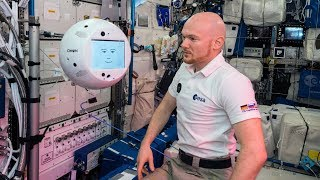 World premiere – Rendezvous between CIMON and Alexander Gerst on the ISS