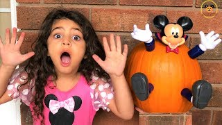 Sally and Micky Mouse Halloween Pumpkin!! kids fun video