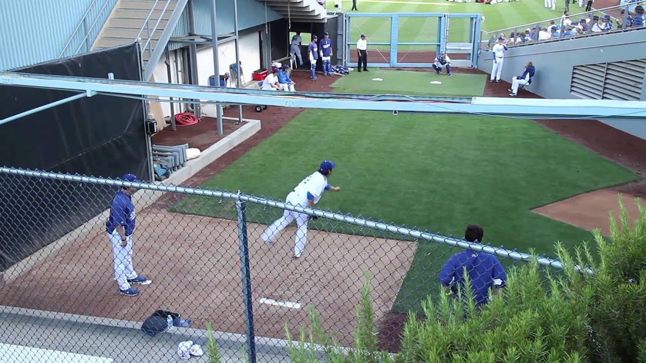-[DODGERS] Hyun-Jin Ryu 류현진 Bullpen Warm up @Dodger Stadium by -Dodger Nation- - YouTube