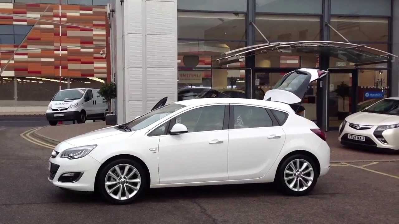 2013 reg vauxhall astra 2 0 cdti ecoflex elite in white youtube. Black Bedroom Furniture Sets. Home Design Ideas