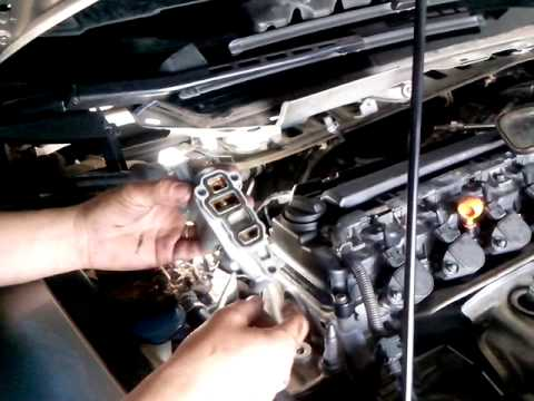 Vazamento de óleo no honda new civic 2007 - YouTube