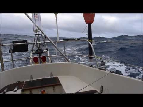 Sailing across the Bay of Biscay single-handed, from Vigo (Spain) to Plymouth (UK)