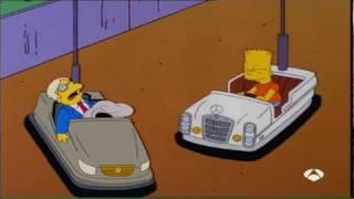 Bart en los coches de choque