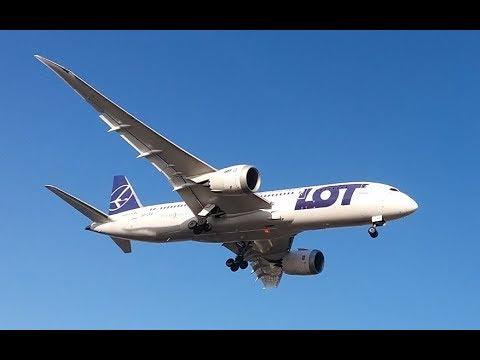Boeing 787 Dreamliner (LOT) z Toronto - lądowanie na Okęciu 2017-12-27