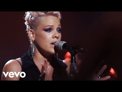 P!nk  Blow Me One Last Kiss The Truth About Love   From Los Angeles