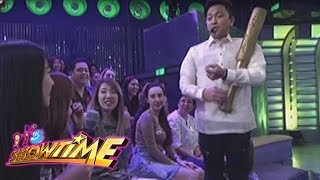 Tawag ng Tangahalan: Jhong Hilario speaks in German