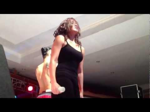 [Fancam] Agnes Monica @ Hotel Ratu Mayang Garden, Pekanbaru