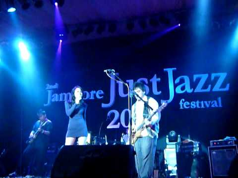 Andien feat Barry Likumahuwa Project - I Know You Know (by Esperanza Spalding)