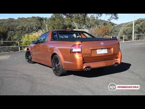 2017 Holden Commodore SS V Ute 0-100km/h & Engine Sound (LS3)