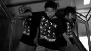 テックトニックダンスを踊る日本初のキッズダンスチーム「SCORPIONS」(...