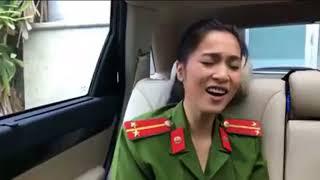 2 chiến sỹ công an hát cơn mưa tình yêu hay quá Bạn có nhận ra anh ấy