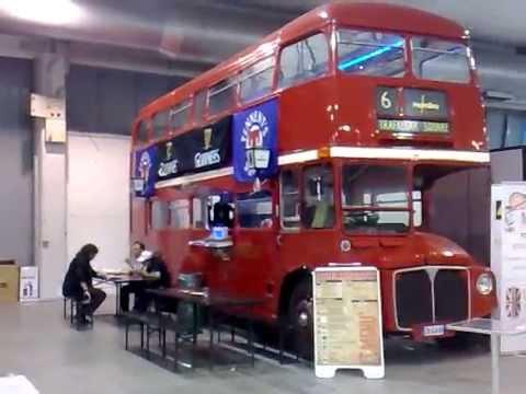 Autobus inglese a 2 piani alla fiera di padova youtube for Piani di coperta a 2 piani