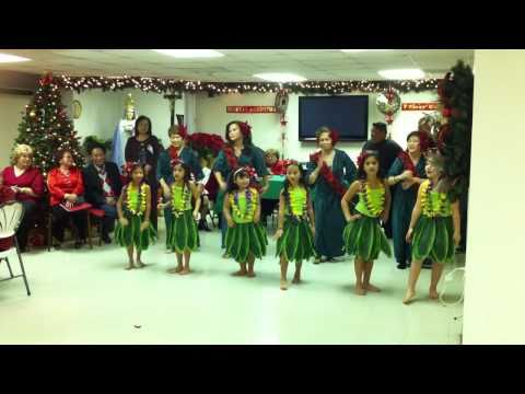 Hula Christmas Show - Kalei and Ate Agnes dancing Christmas Island