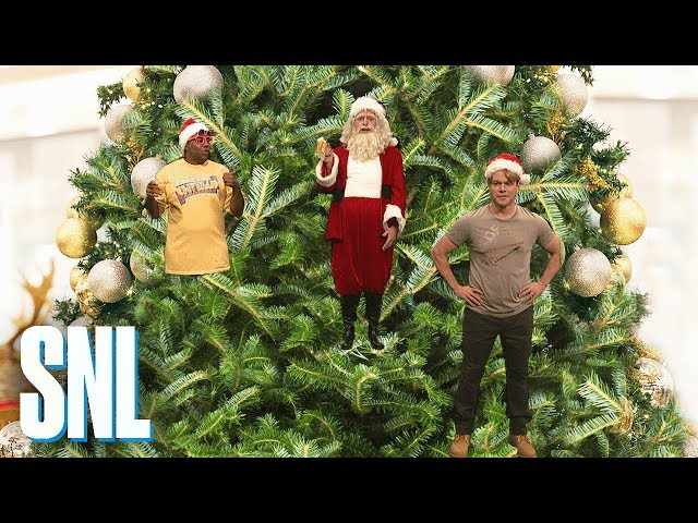 'SNL': Matt Damon's Christmas Isn't The Same At The Back Of The Tree |  Deadline - SNL': Matt Damon's Christmas Isn't The Same At The Back Of The Tree