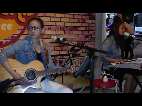 Accoustic cover- Bersamamu- Vierra by Youniverse