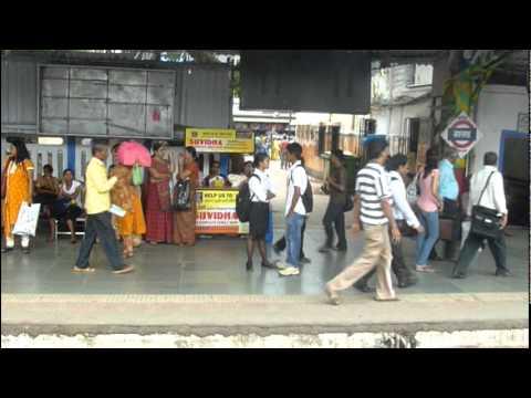 India Emocionante: Viajando en el Tren de Mumbai