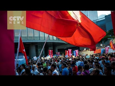 Tens of thousands in anti-independence rally in Hong Kong