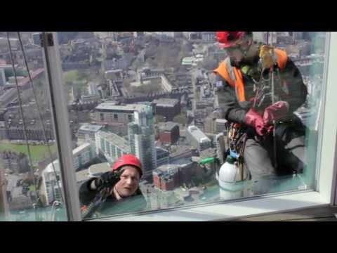 How to clean The Shard - washing windows at 244 metres (802 feet)