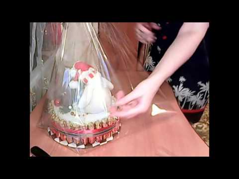Как упаковать торт из памперсов в прозрачную пленку