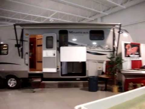 Rv Dealers In Ohio >> Couch S Campers Ohio Rv Sales Dealer Rv Show Room Of 5th Wheels Travel Trailer