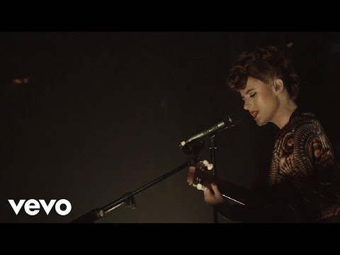 Giant In My Heart (VEVO LIFT Live)