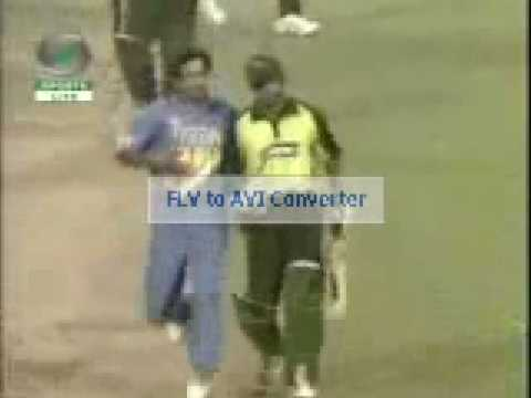 M Yusuf and Irfan Pathan fights during the match