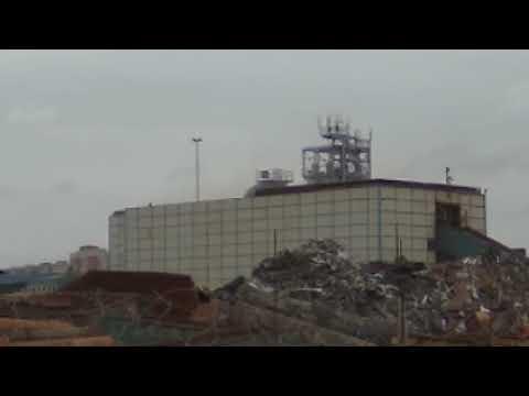 Облака пыли при работе шредера НЛМК Центр Вторчермет,  Подольск